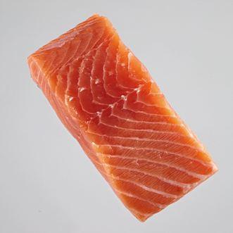 Salmón noruego de acuicultura